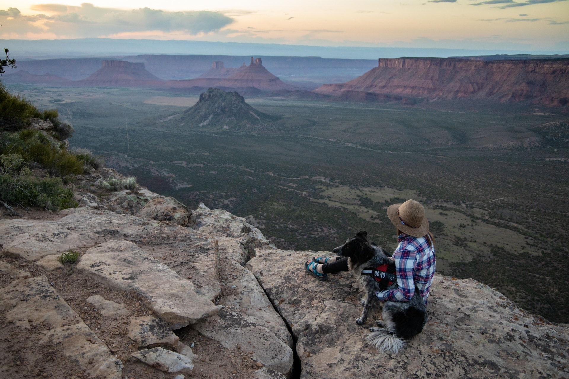 Porcupine Rim Campground // The best trails, waterfall hikes, campgrounds and more, that made the list of best things to do in Moab outside of the National Parks.