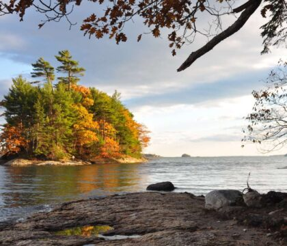 Discover 5 of the best hikes to do near Portland, Maine for the best coastal scenery and mountain views just a short drive from the city.