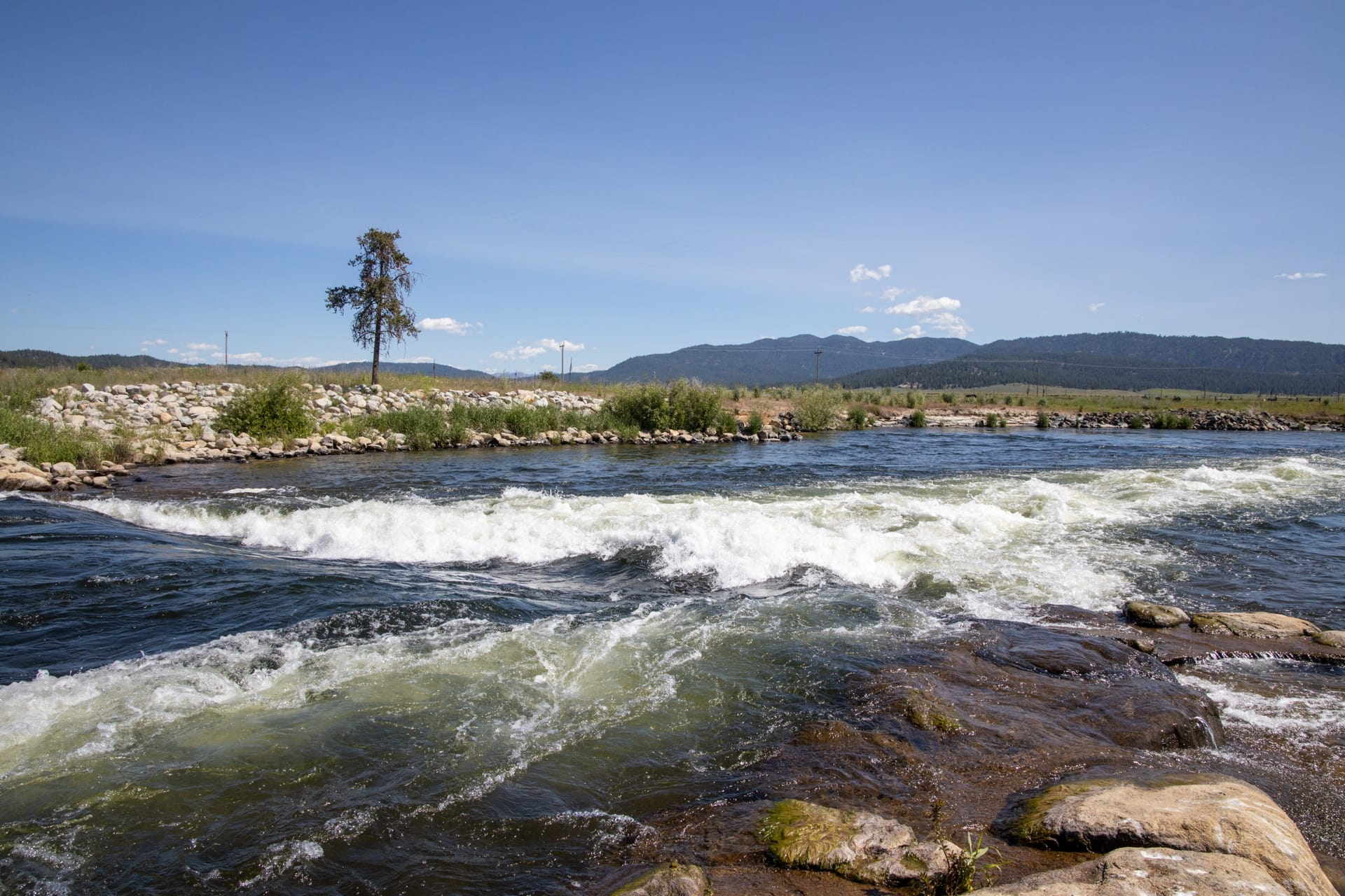 Kelly's Whitewater Park in Cascade Idaho // Hot springs, hiking, off-roading, biking, and more. Explore the best outdoor recreation in Cascade with this 4-day Cascade Idaho itinerary.