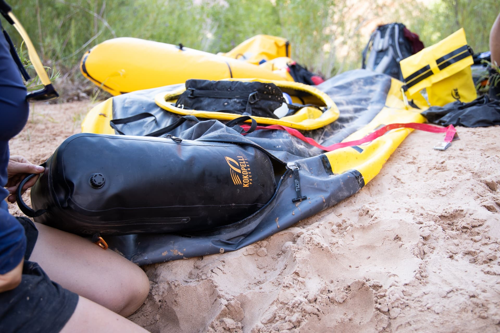 Packing my Kokopelli packraft on the Escalante River