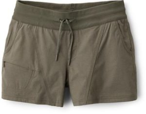 North Face Aphrodite Shorts // What to Wear hiking in summer