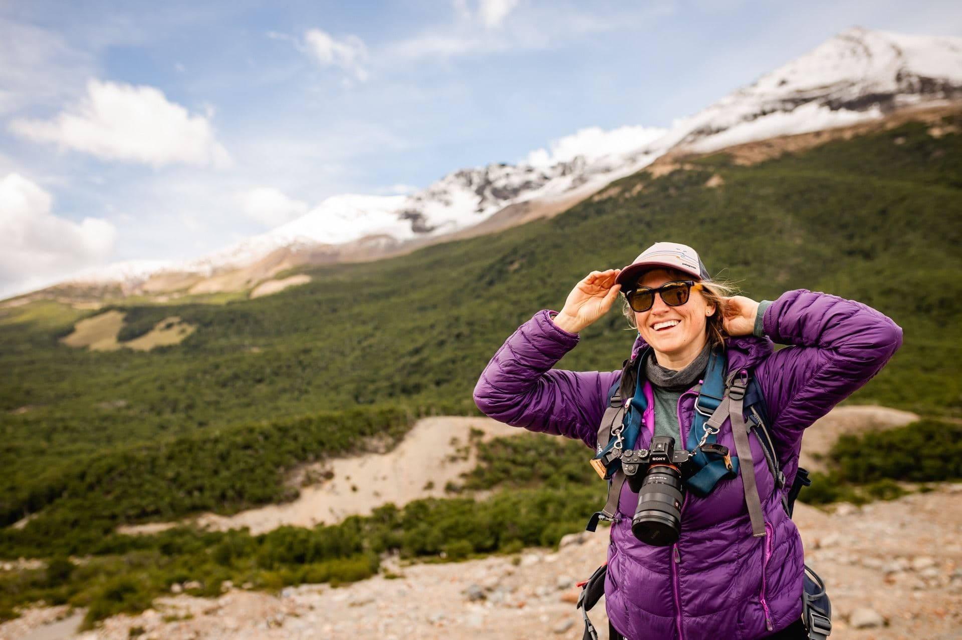 Essential Tips for Comfortably Hiking with a Camera