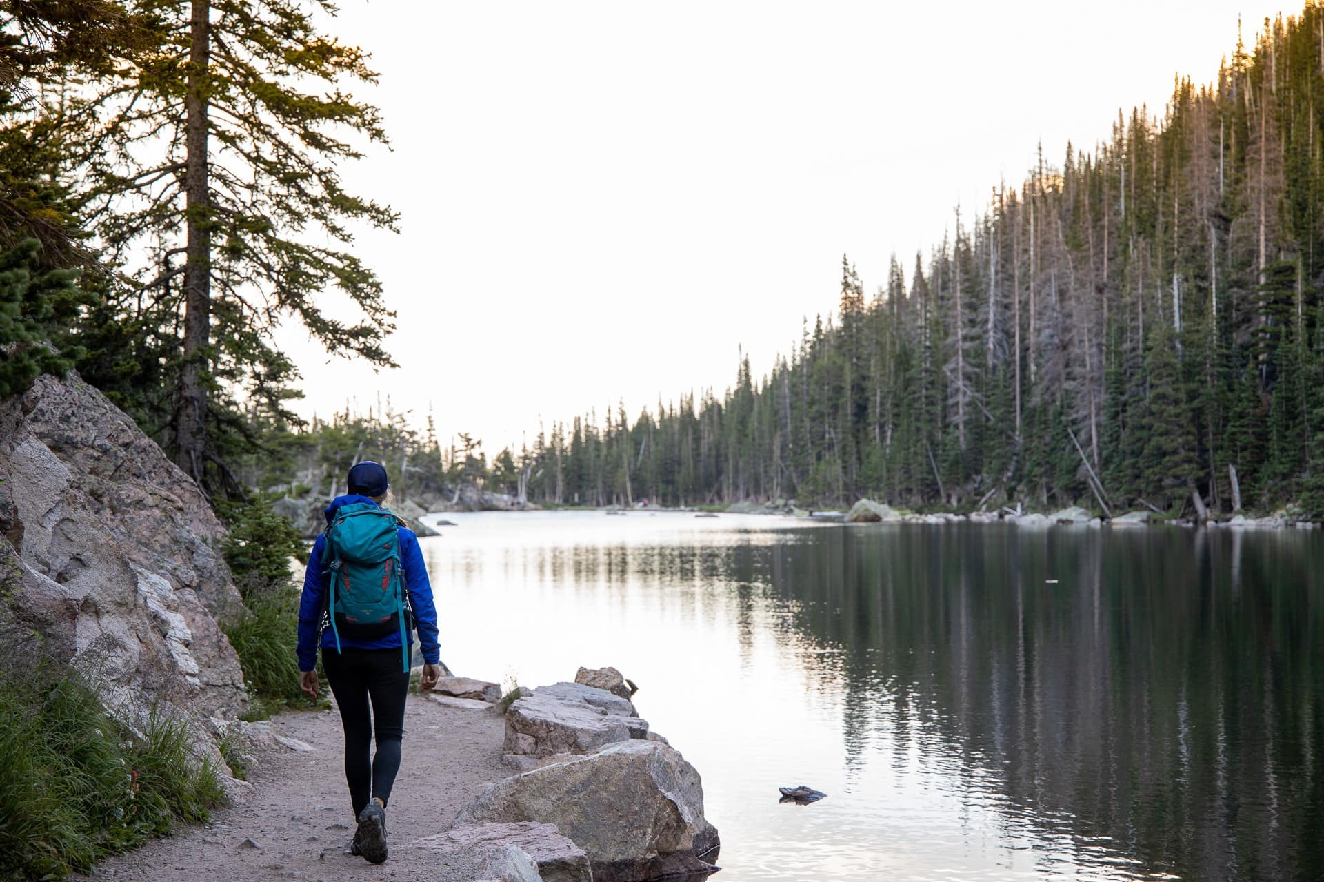 Emerald Lake Trail // Get our guide to the best day hikes in Rocky Mountain National Park including distances, trail descriptions, what to be prepared for, and more.
