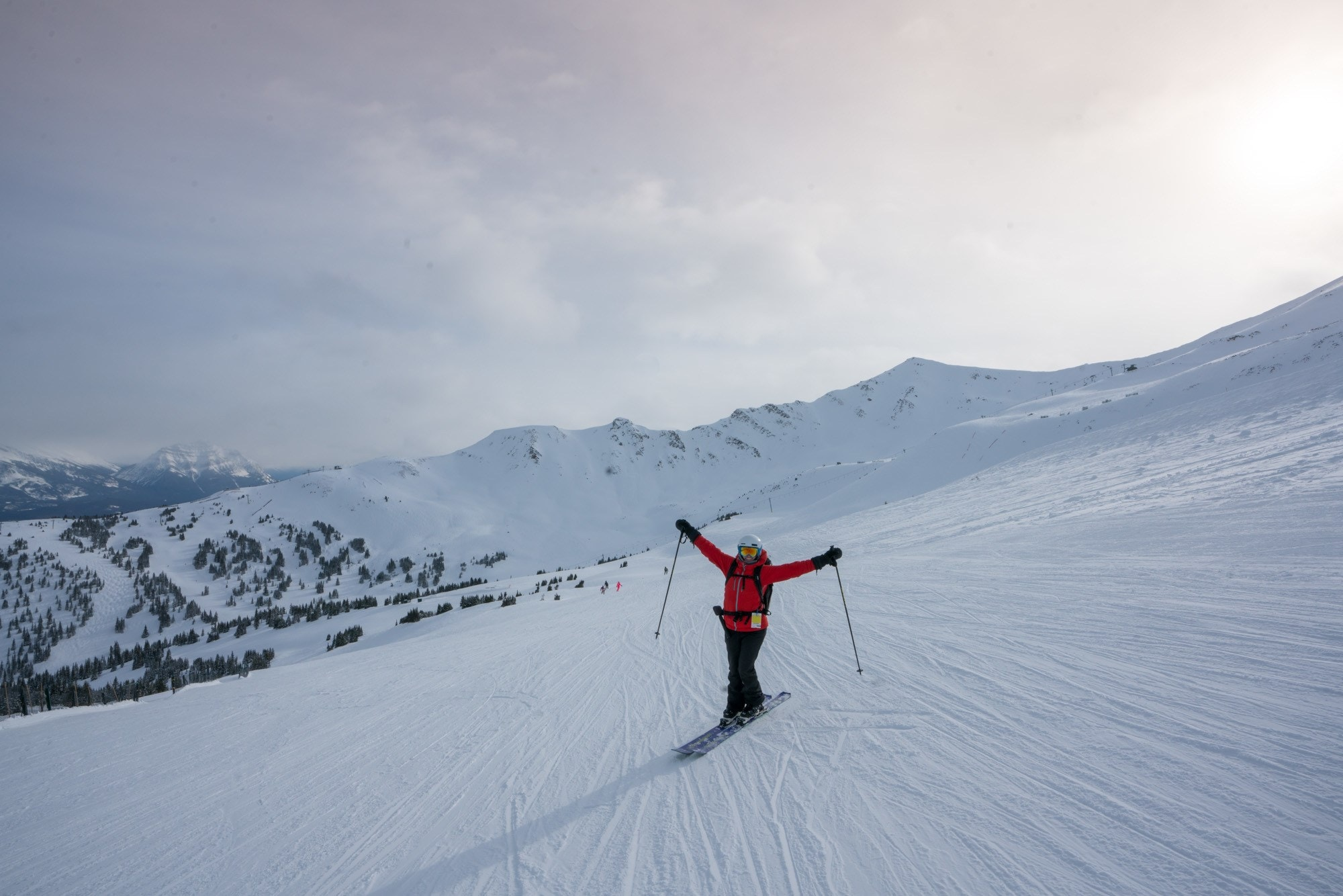 It's never too late to start! Learn how to ski this winter with these top 10 beginner ski tips for adults, with advice on gear, technique, lessons & more.