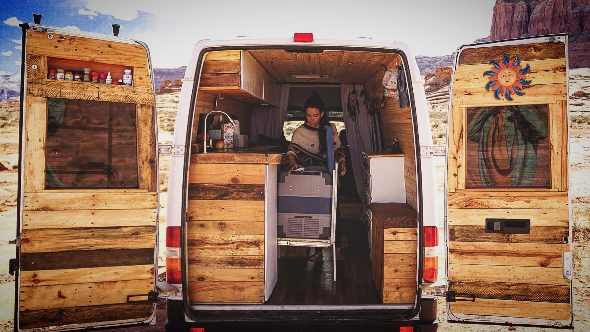 Is van life sustainable? Check out this blog post for environmentally-friendly tips on how to reduce your impact as an eco-friendly van lifer!