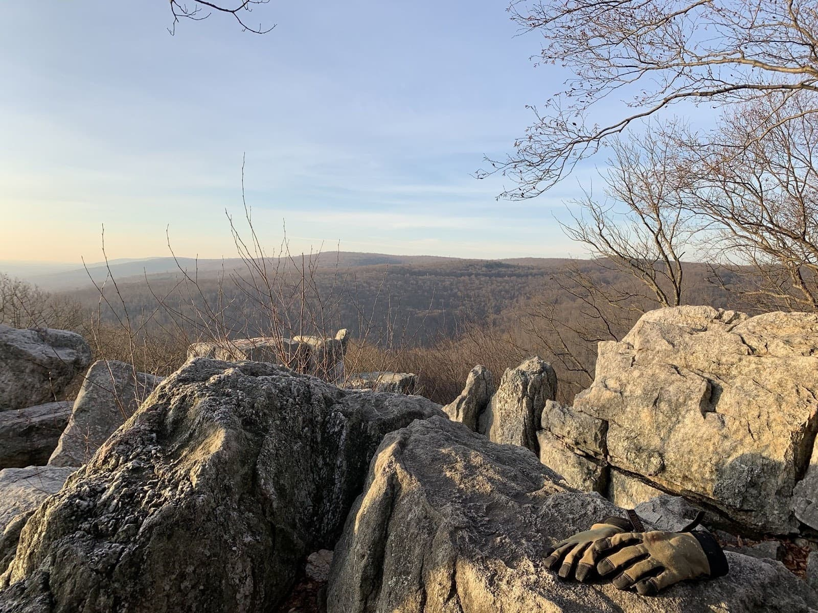 Wolf Rock/Chimney Rock Loop // Looking for the best hikes in Maryland? Here are our 7 favorite Maryland trails including distances, descriptions, and local tips.