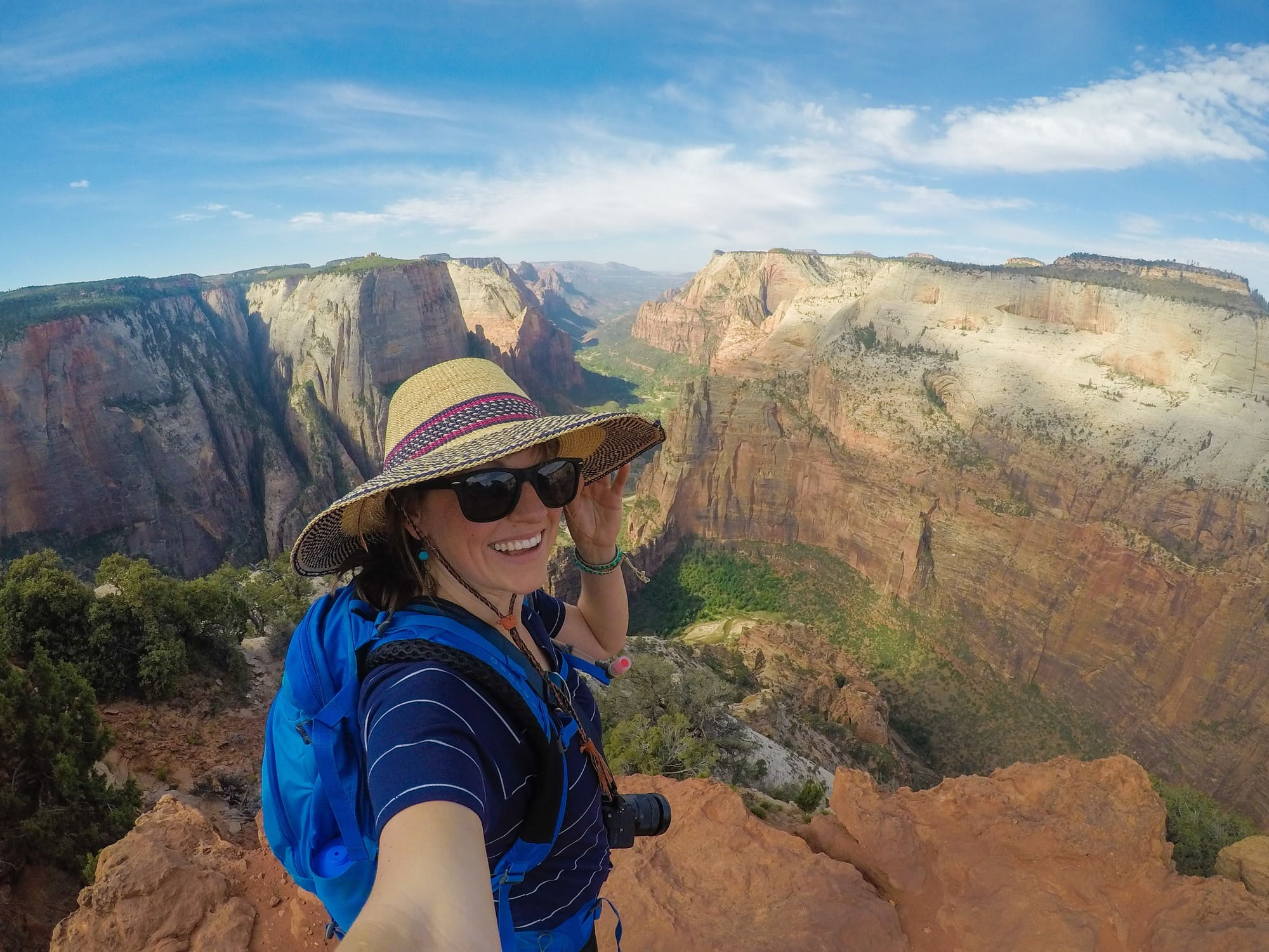 Planning a trip to the gorgeous Utah desert? Learn what clothing and gear you'll need to deal with the extreme weather in this Southern Utah packing list.