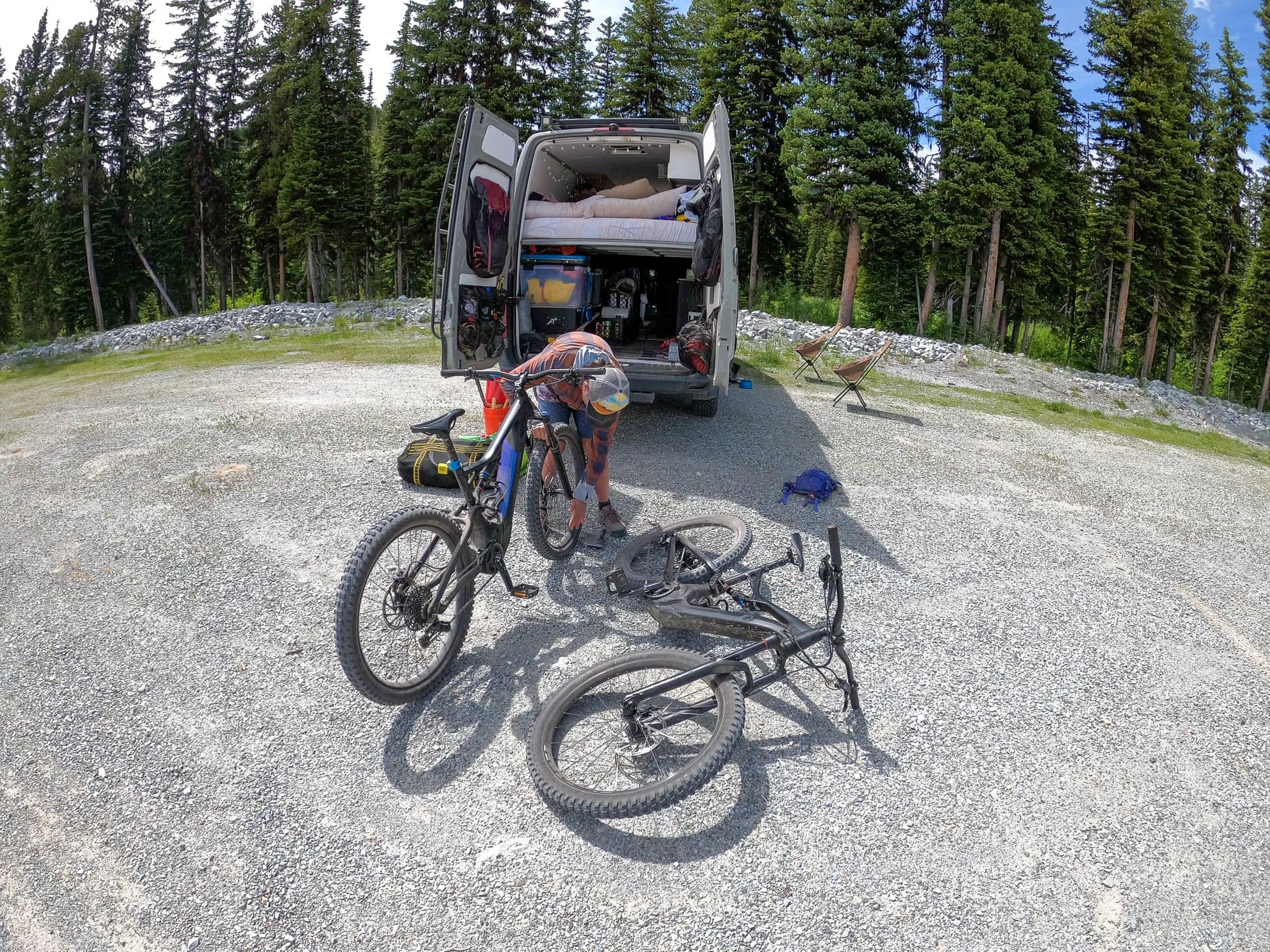 Learn how to plan fun and adventurous van life trips with these tips and resources for discovering awesome hikes, local amenities, and more.