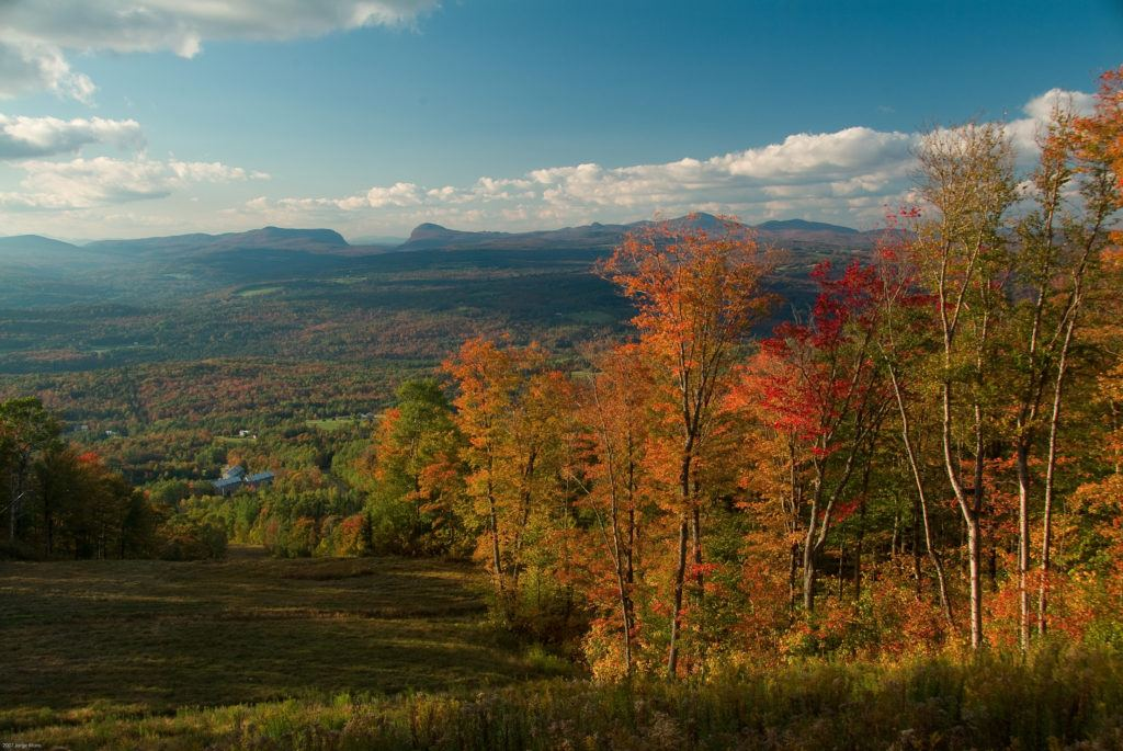 Northeast Kingdom Fall Foliage // Plan your Vermont Fall Foliage road trip with our guide on where see the best fall colors including scenic leaf-peeping drives and more.