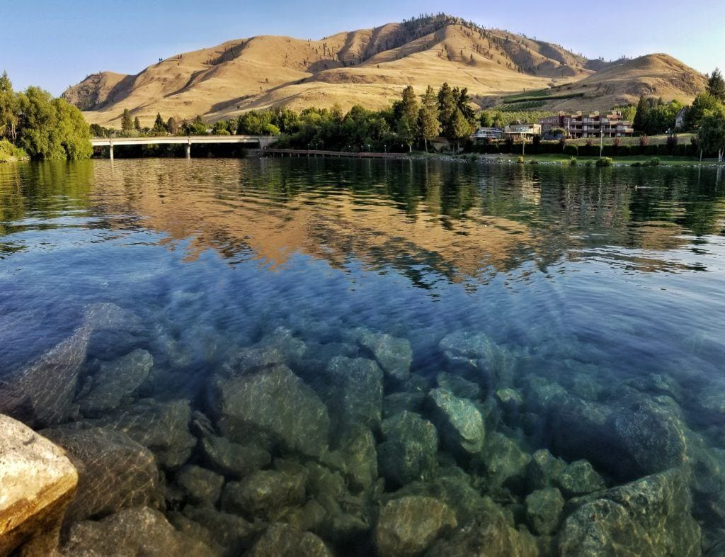 Lake Chelan // Plan your Washington road trip with this guide to the best stops for outdoor adventure including National Parks, towns, hikes, and more.