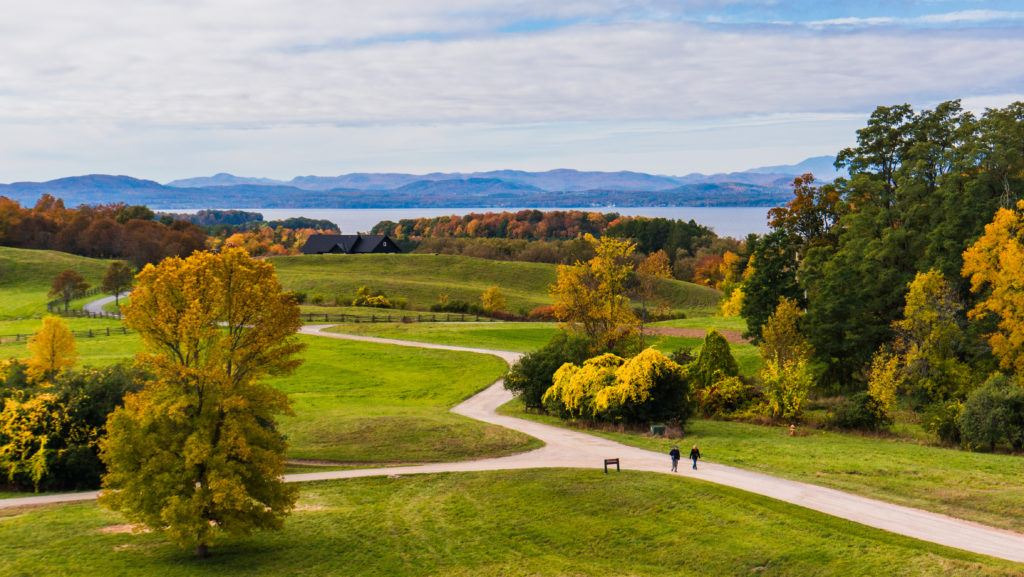 Shelburne Farms // Plan your Vermont Fall Foliage road trip with our guide on where see the best fall colors including scenic leaf-peeping drives and more.