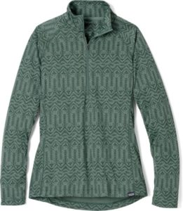 Patagonia Capilene Midweight Zip-Neck // A midweight winter hiking base layer