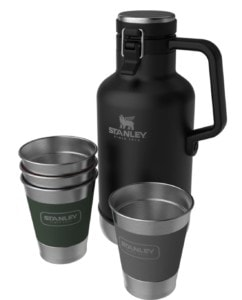Stanley Classic Outdoor Growler Gift Set // Check out the best camp drinkware gifts for camping and van life by Stanley for gifts that will last a lifetime.