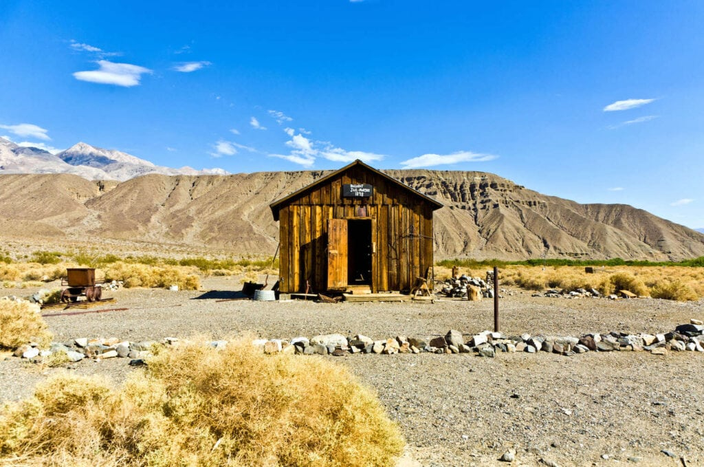 Ballarat Ghost Town // Experience the best attractions in Death Valley National Park like sand dunes and salt flats with this 3-day Death Valley itinerary.