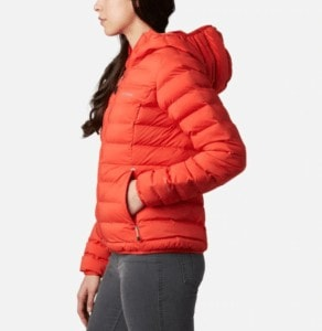 Columbia Three Forks Jacket // An eco friendly synthetic down jacket for women in 2021. Check out more lightweight, packable, vegan-friendly down alternatives for cold temps.