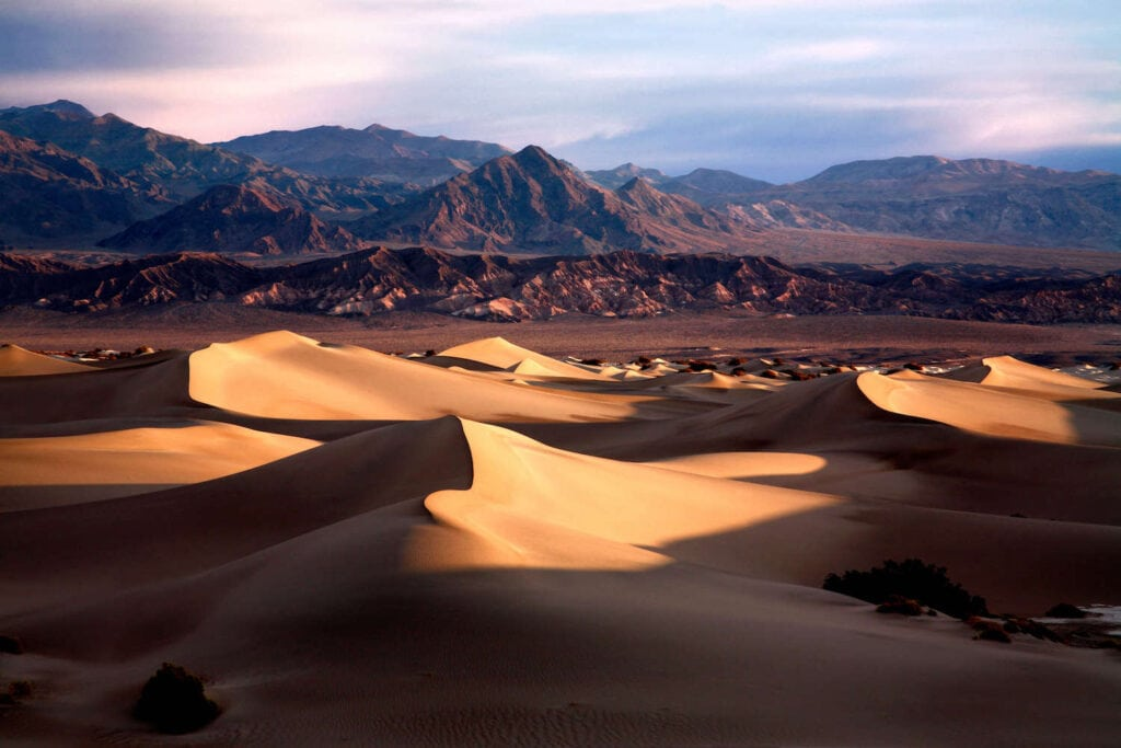 Mesquite Sand Dunes // Experience the best attractions in Death Valley National Park like sand dunes and salt flats with this 3-day Death Valley itinerary.