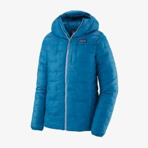 Patagonia Macro Puff Hoodie // Here are the best synthetic down jackets for women in 2021 including lightweight, packable, vegan-friendly down alternatives for cold temps.