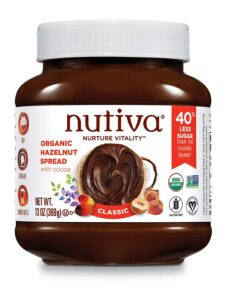 Nutiva // Simple lightweight vegan backpacking food ideas from breakfast to dinner. These are delicious, easy to prepare & require little cleanup.