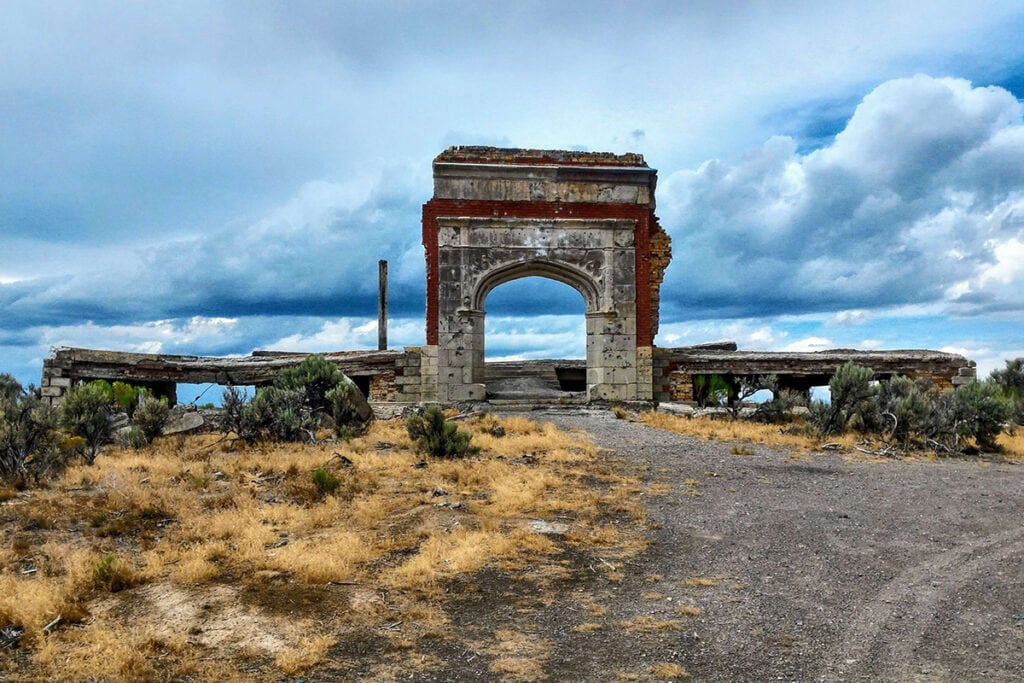 Metropolis, Nevada / These Nevada ghost towns are the coolest in the state. Learn where to go & what to do with these Nevada Ghost Town travel tips.