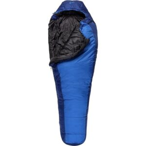 ALPS Mountaineering Blue Springs Sleeping bag // Looking for the budget outdoor gear? Here is the best cheap backpacking gear and my top tips for buying quality, inexpensive gear.