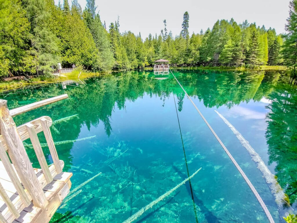Kitch-iti-kipi Michigan // largest freshwater spring is a great Michigan road trip stop