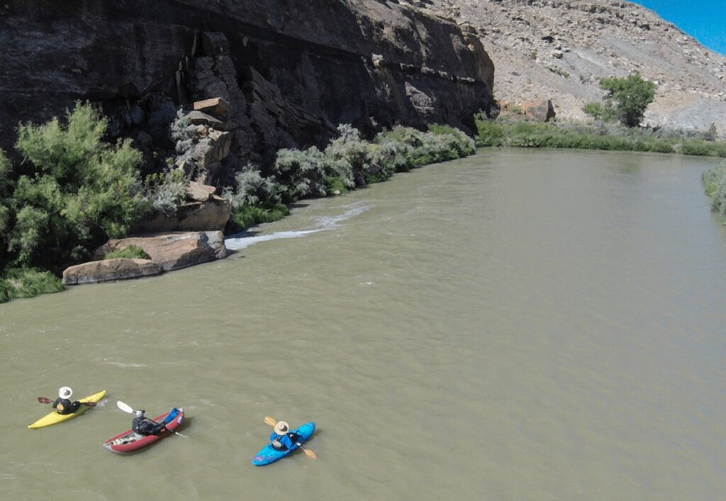 Lower Gunnison River Colorado // Here are the best river trips for beginners with gorgeous scenery, gentle rapids, & awesome overnight camping.