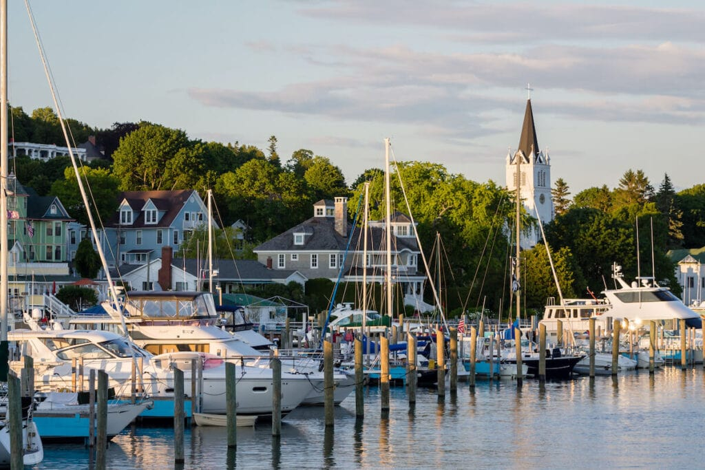 Mackinac Island Michigan // Plan your Michigan road trip with this guide to the best stops for outdoor adventure, including the Upper Peninsula and Western Michigan.