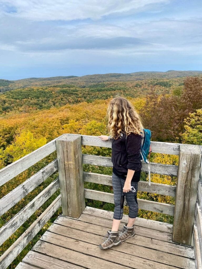 Porcupine Mountains Wilderness hiking / Plan your Michigan road trip with this guide to the best stops for outdoor adventure, including the Upper Peninsula and Western Michigan.