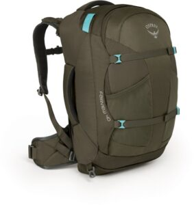 Osprey Farpoint 40 // Here are the best travel backpacks for women in 2021 so you can pack light, get organized, and be more flexible on your travels.