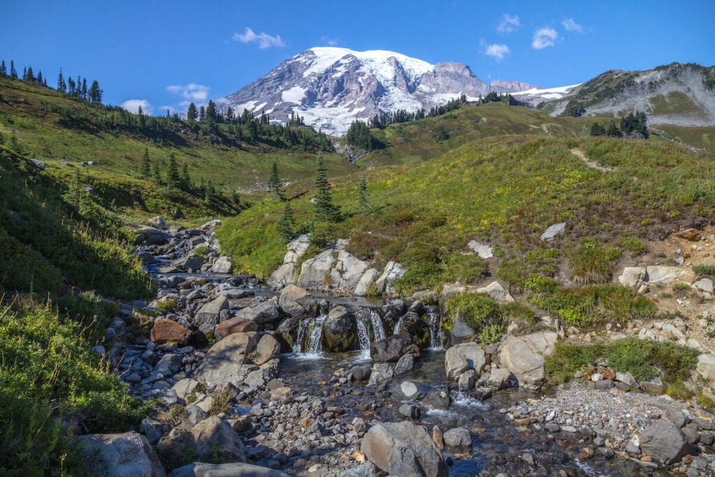 Skyline Trail // Plan your trip to Mt. Rainier National Park with our guide to the best Mt. Rainier hikes for epic views during the summer.