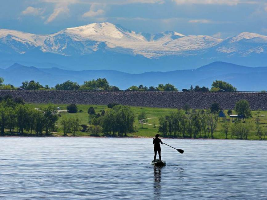 Cherry Creek Reservoir // Discover the best places to SUP in Colorado this summer with the best Rocky Mountain views, calm waters, and quiet solitude.