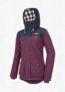Picture Organics // 10 bestsustainable outdoor clothing brands that make durable, stylish, and eco-friendly outdoor apparel for adventurers on the go.