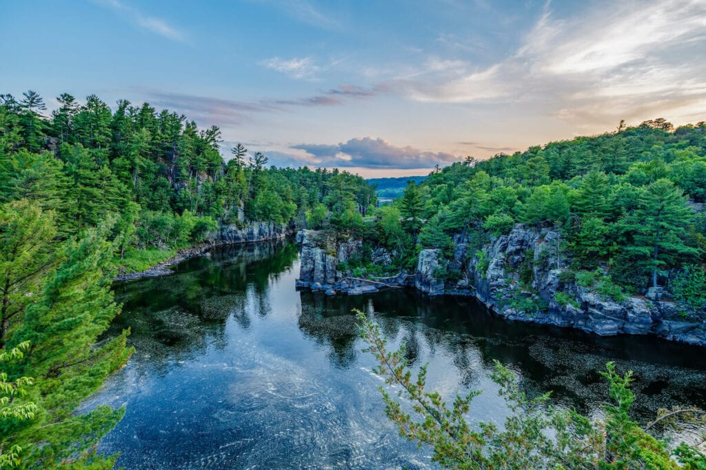Interstate State Park // See the top Minnesota road trip stops for outdoor adventure including State Parks, scenic drives, waterfalls, and day trips from Minneapolis.