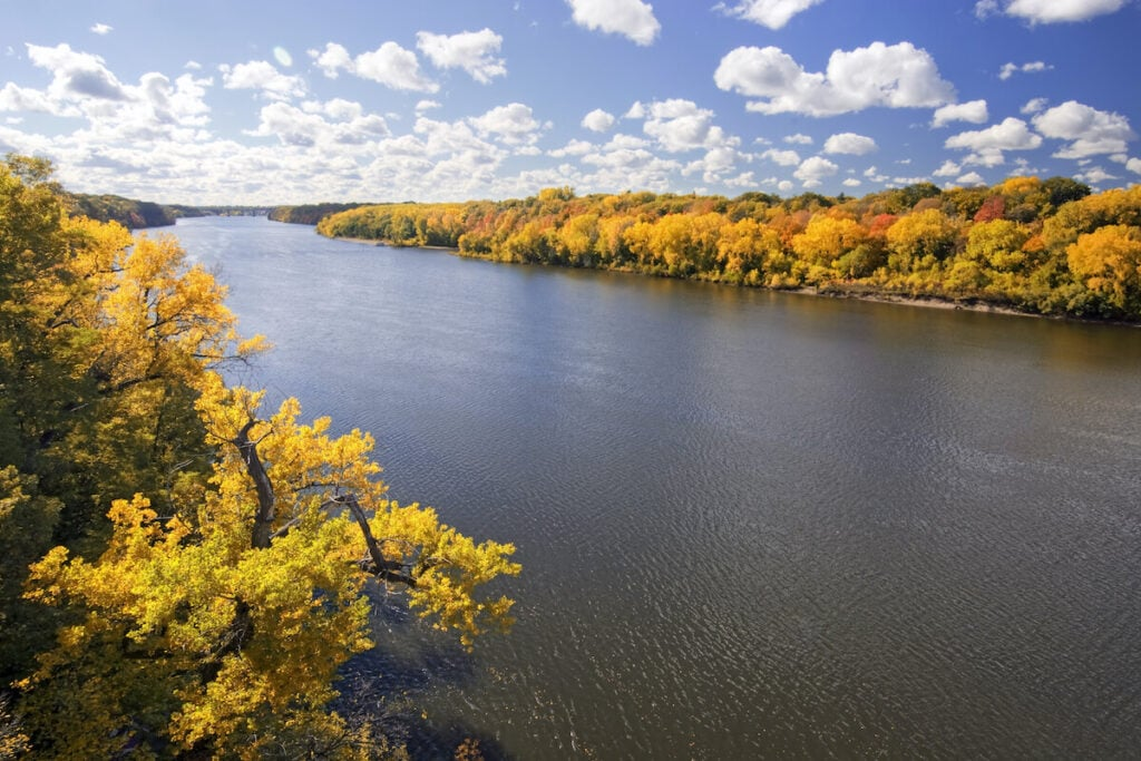 Minnesota River // See the top Minnesota road trip stops for outdoor adventure including State Parks, scenic drives, waterfalls, and day trips from Minneapolis.