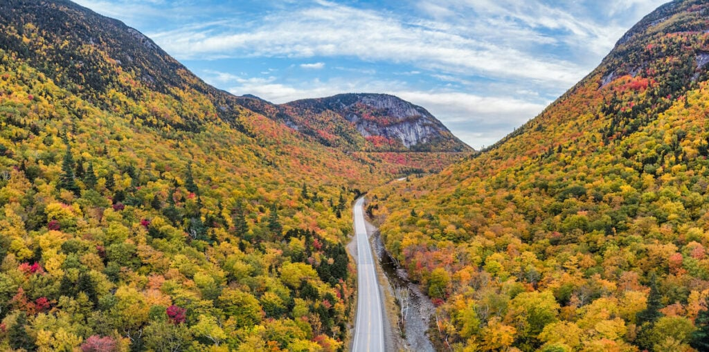 Mt Willard Crawford Notch State Park  // Explore the best New Hampshire fall foliage with our hiking guide