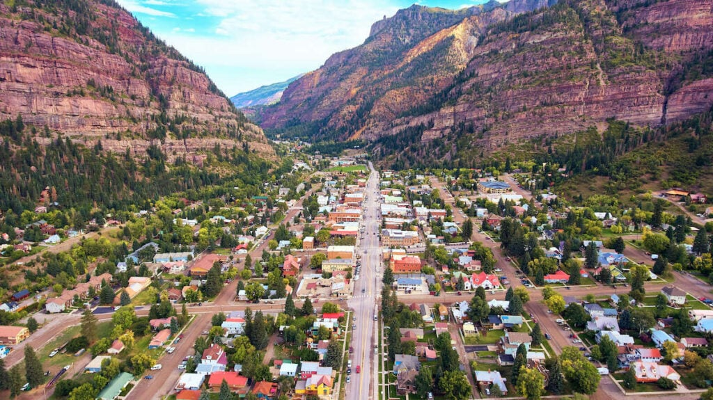 Ouray Colorado // Drive Colorado's Million Dollar Highway and San Juan Skyway to see amazing views of the Rocky Mountains and visit small mountain towns.