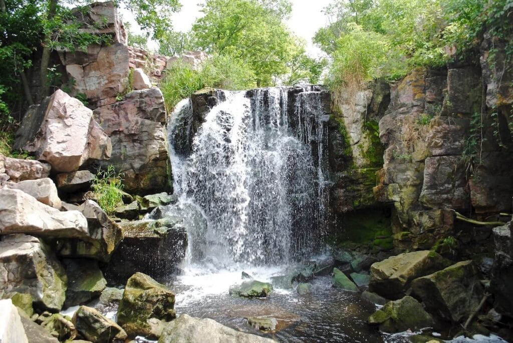Winnewissa Falls // See the top Minnesota road trip stops for outdoor adventure including State Parks, scenic drives, waterfalls, and day trips from Minneapolis.