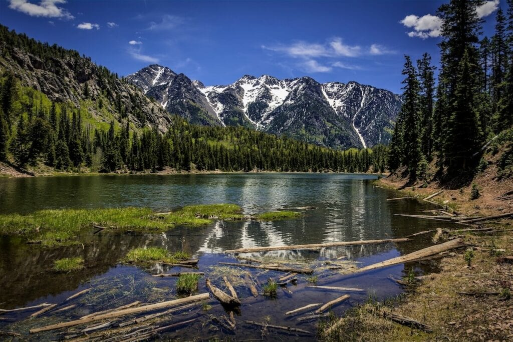 Spud Potato Lake // Learn about the best fall hikes in Southwest Colorado near Durango, Telluride, and Great Sand Dunes National Park with trail stats and more.