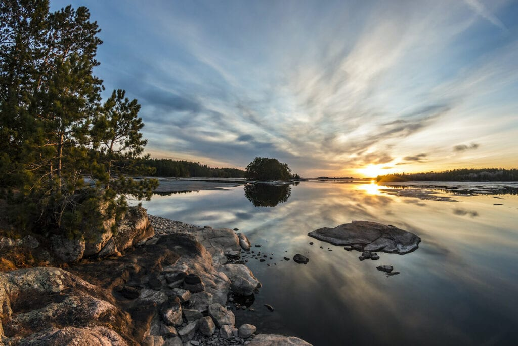 Voyageurs National Park // See the top Minnesota road trip stops for outdoor adventure including State Parks, scenic drives, waterfalls, and day trips from Minneapolis.